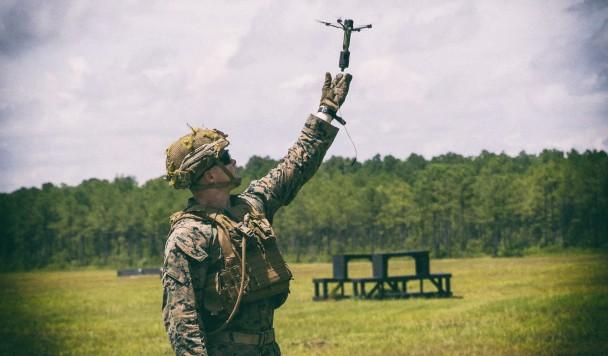 Военные тестируют небольшие дроны с гранатами на борту
