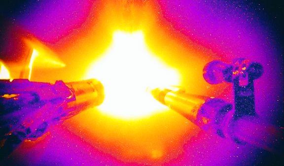 Реакция термоядерного синтеза была запущена при помощи лазера