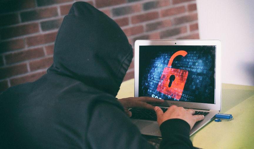 Украинцы стали вдвое чаще сталкиваться с мошенниками в интернете