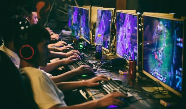 Китай запретил детям играть в видеоигры более трех часов в неделю