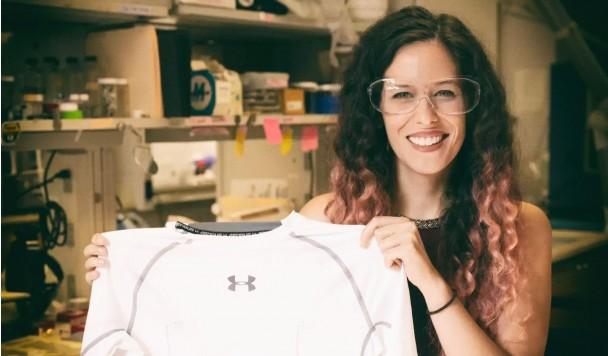 Углеродные нанотрубки превращают обычные рубашки в мониторы сердечного ритма