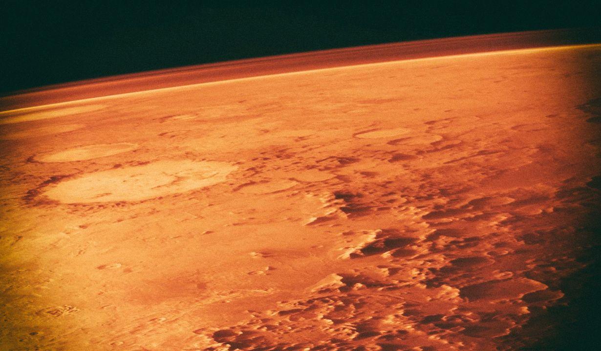 Новая технология может превращать марсианский воздух в ракетное топливо