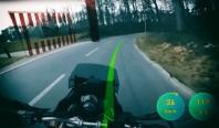 Умный мотошлем прокладывает траекторию и предупреждает об опасностях