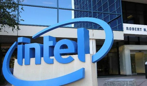 Прибыль Intel растет, Facebook и Samsung представят смартфон, Amazon откроет оффлайн-магазин