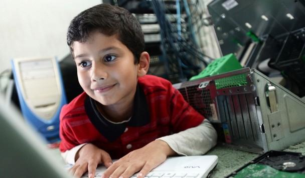 Express: пятилетний британец стал самым молодым IT-специалистом Microsoft