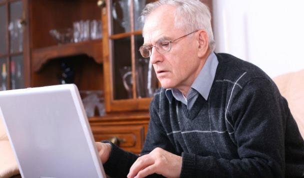 84-летний дедушка вдохновил ПриватБанк на создание отдельного приложения