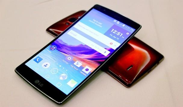 5 самых ожидаемых смартфонов начала 2015 года