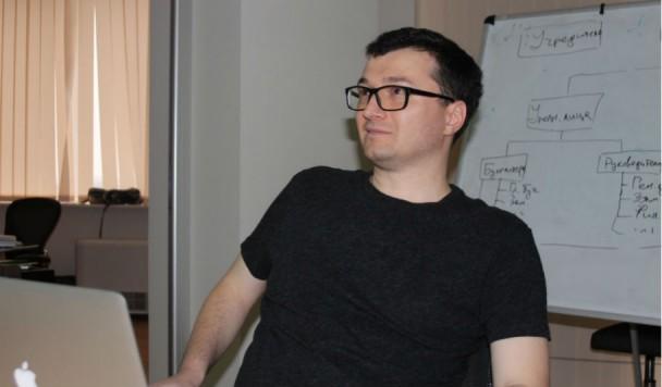 Айтишный стеб: как Александр Витязь борется со скучными новостями ПриватБанка