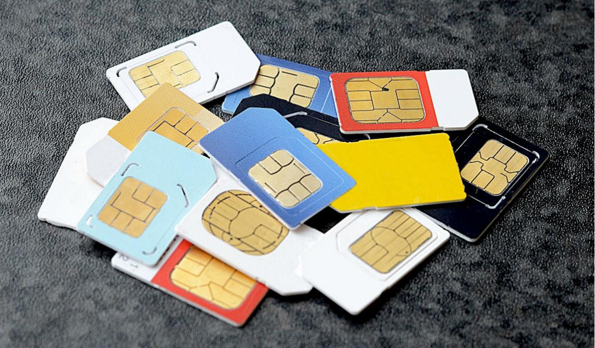 Мобильный с паспортом: зачем властям регистрировать пользователей