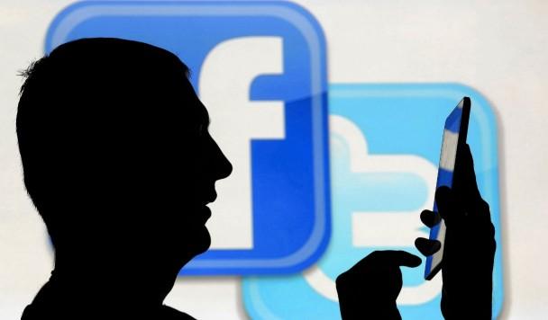 Смогут ли Twitter и Facebook догнать Google?