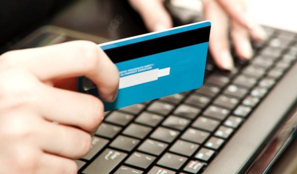 «Укрпочта» запустила сервис мгновенных переводов между банковскими картами