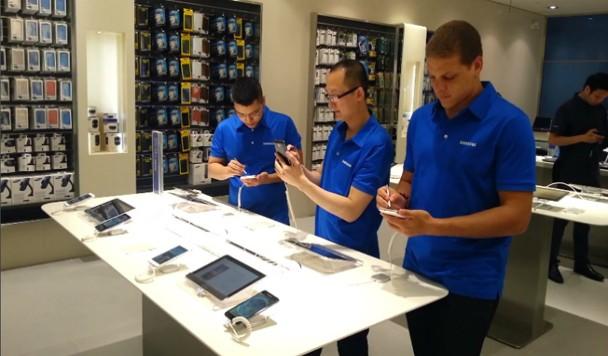 Samsung намерена сократить 10% сотрудников