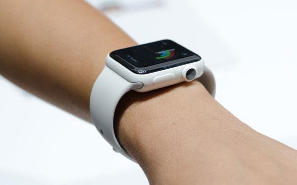 Apple разработала самозатягивающиеся ремешки для смарт-часов