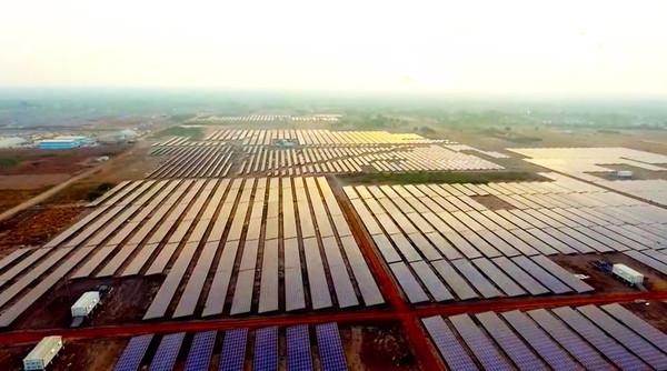 В Индии завершили строительство крупнейшей в мире солнечной электростанции