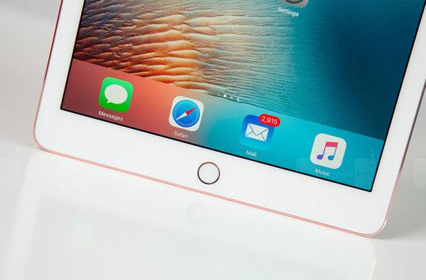 В этом году Apple выпустит «безрамочный» iPad
