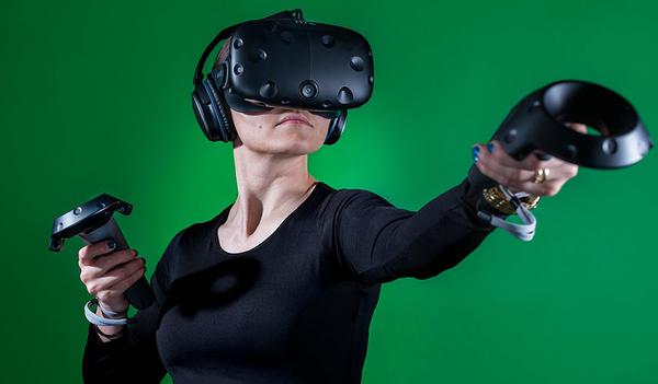 HTC продает бизнес по выпуску VR-шлемов Vive