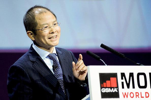 Глава Huawei считает «умные» часы бессмысленным устройством