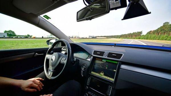 В Великобритании беспилотные авто появятся уже в 2021 году