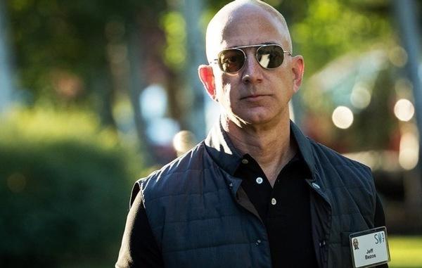 Глава Amazon Джефф Безос за неделю продал акции компании на $1 млрд