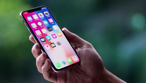 Тим Кук назвал стоимость iPhone X оправданной