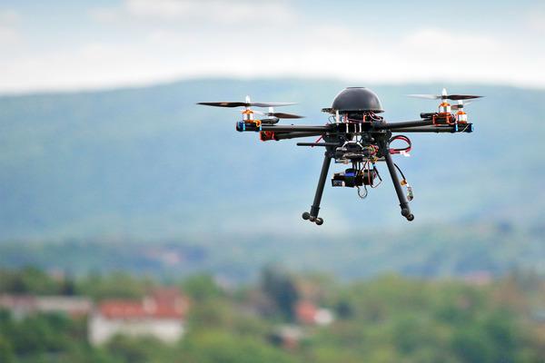 Американские исследователи создали самоуправляемый дрон