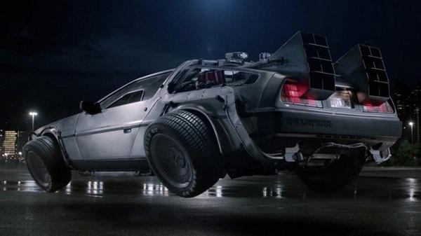 Знаменитая благодаря фильму «Назад в будущее» компания DeLorean представила летающее авто