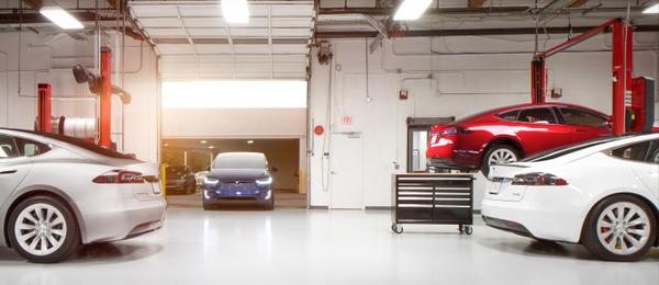 Tesla пришлось отозвать более 50 тысяч машин из-за проблем с тормозами