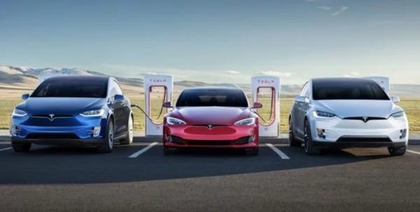 Tesla выпустила 300 тысяч электромобилей