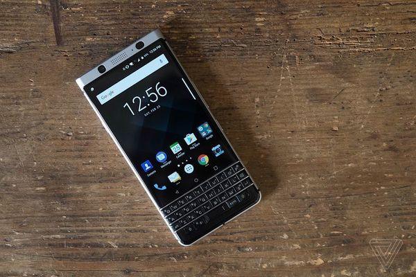 BlackBerry представил свой последний смартфон KEYone