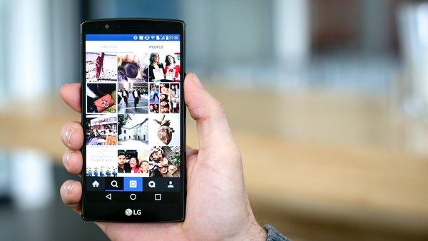Instagram предоставил возможность публиковать до 10 фото и видео одним постом