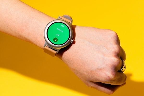 Люди не спешат покупать смарт-часы