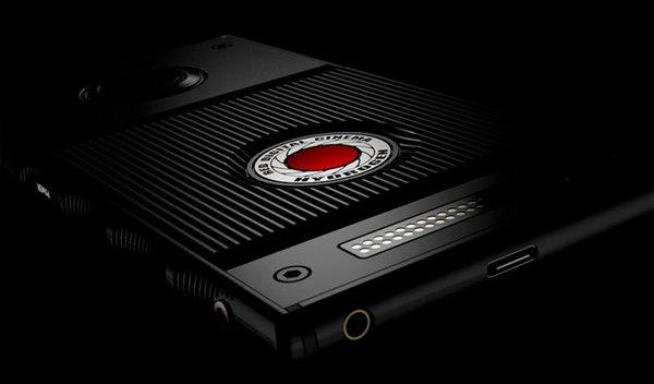 Производитель профессиональных камер RED представил первый в мире смартфон с голографическим экраном