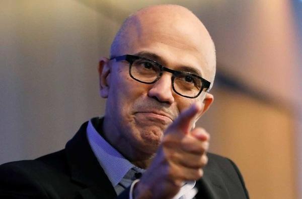 Глава Microsoft посоветовал владельцам iPad пользоваться настоящими компьютерами