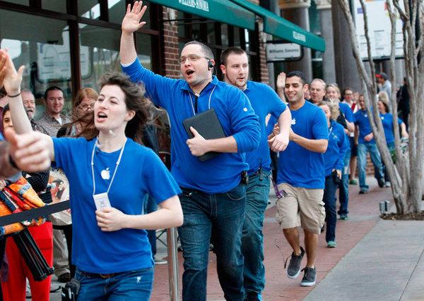 Суд обязал Apple выплатить сотрудникам $2 млн за задержки зарплат и запрет обедов