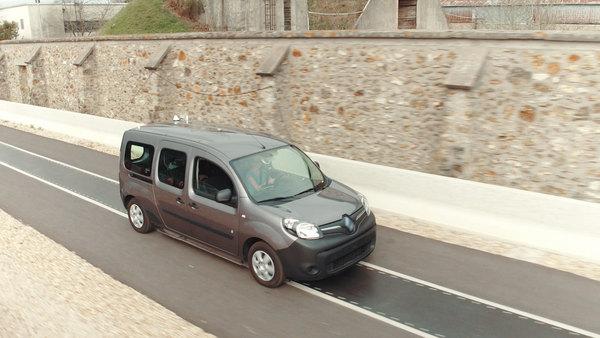 Qualcomm показала работу системы подзарядки электромобилей в движении