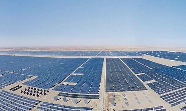 В Китае строят крупнейший в мире солнечный парк сразу 42 компании