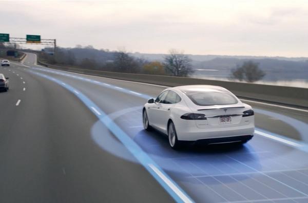 Tesla занялась разработкой оборудования для искусственного интеллекта и автопилота