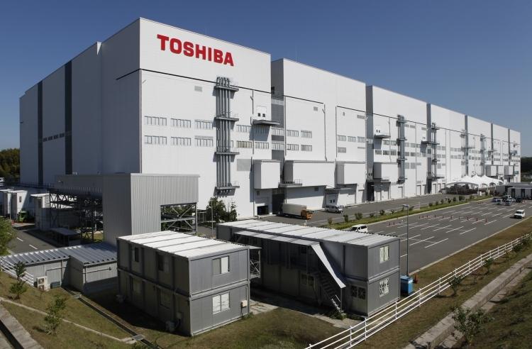 Акции Toshiba ростут на фоне слухов о новых кредитах