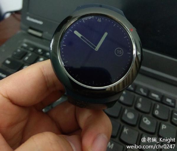 Первые «умные» часы от HTC появились на новых фото