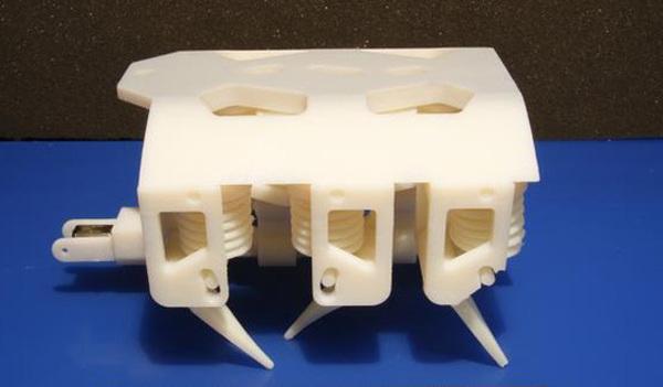 Распечатанный на 3D-принтере робот способен ходить сразу после изготовления (Видео)