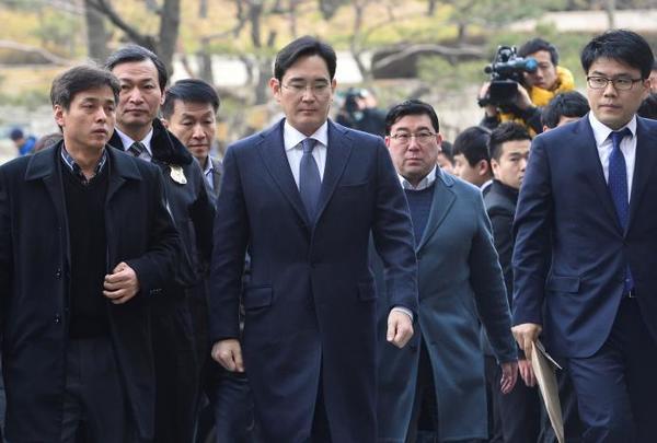 Руководитель Samsung арестован по делу о коррупции