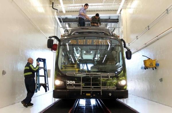 В США готовятся начать испытания самоуправляемых электробусов