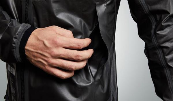 Графеновая одежда спасает и от жары, и от холода