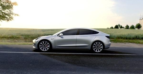 Tesla раскрыла полные характеристики Model 3
