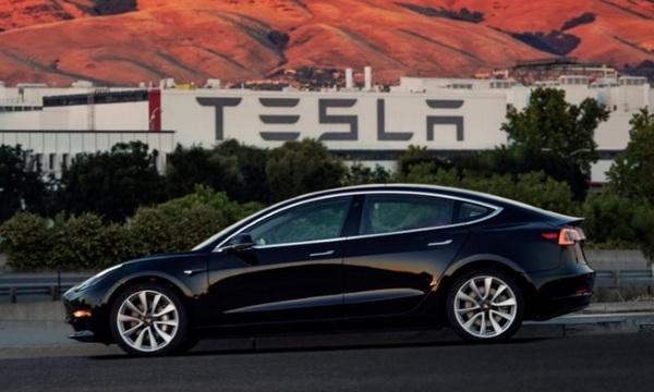 Tesla привлечет $1,5 млрд для наращивания производства «бюджетной» Model 3