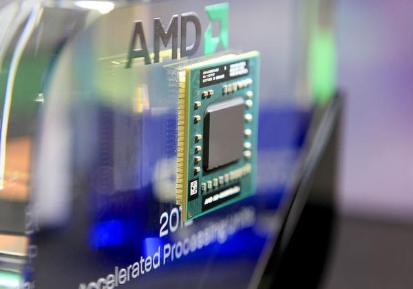 Выручка AMD продолжает падать