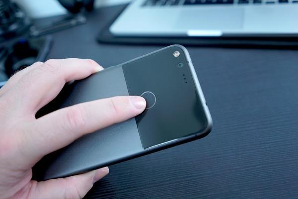 Стали известны подробности о смартфоне Pixel 2