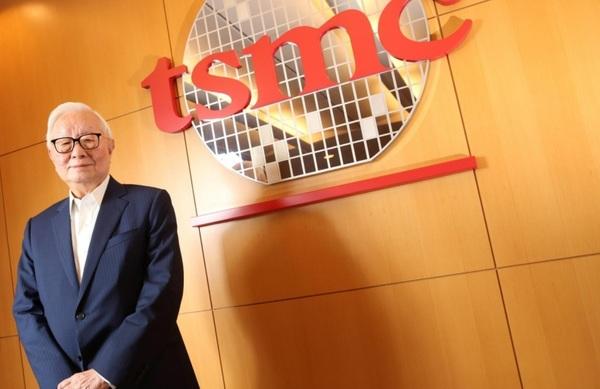 Основатель TSMC считает, что в будущем нет места таксистам и врачам