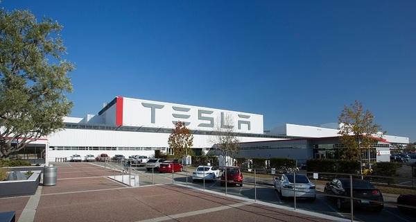 Tesla сократит производство Model S и X ради сборки Model 3
