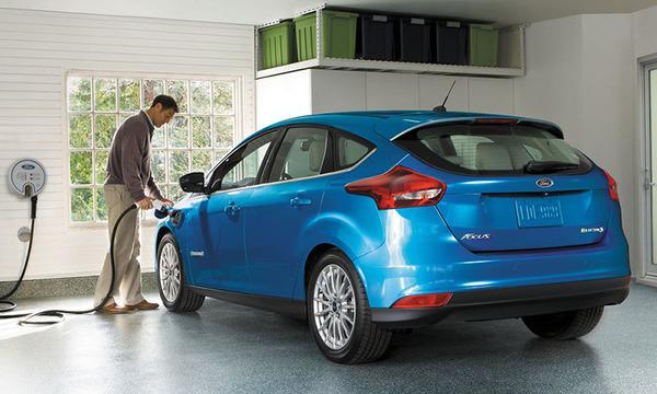 Ford собирается полностью перейти на электромобили и гибриды до 2030 года